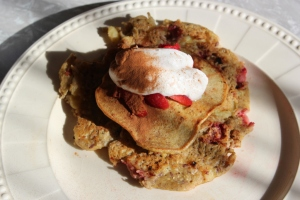 Strawberry and banana pancakes, I missed you.